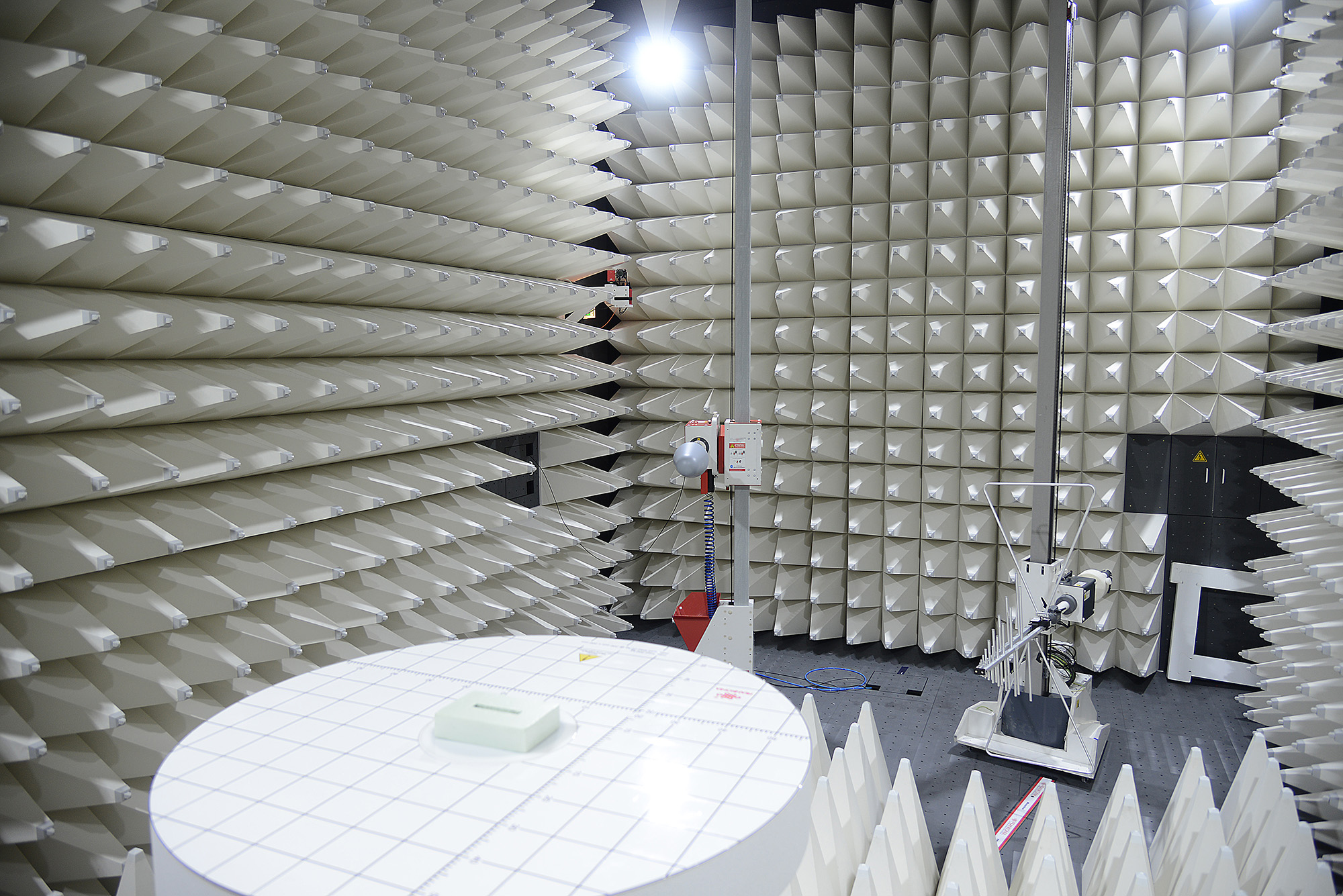 Our fully anechoic room (FAR) is ideally suited for testing radio modules